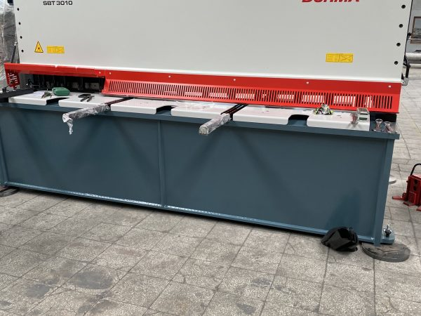 CNC guilottine